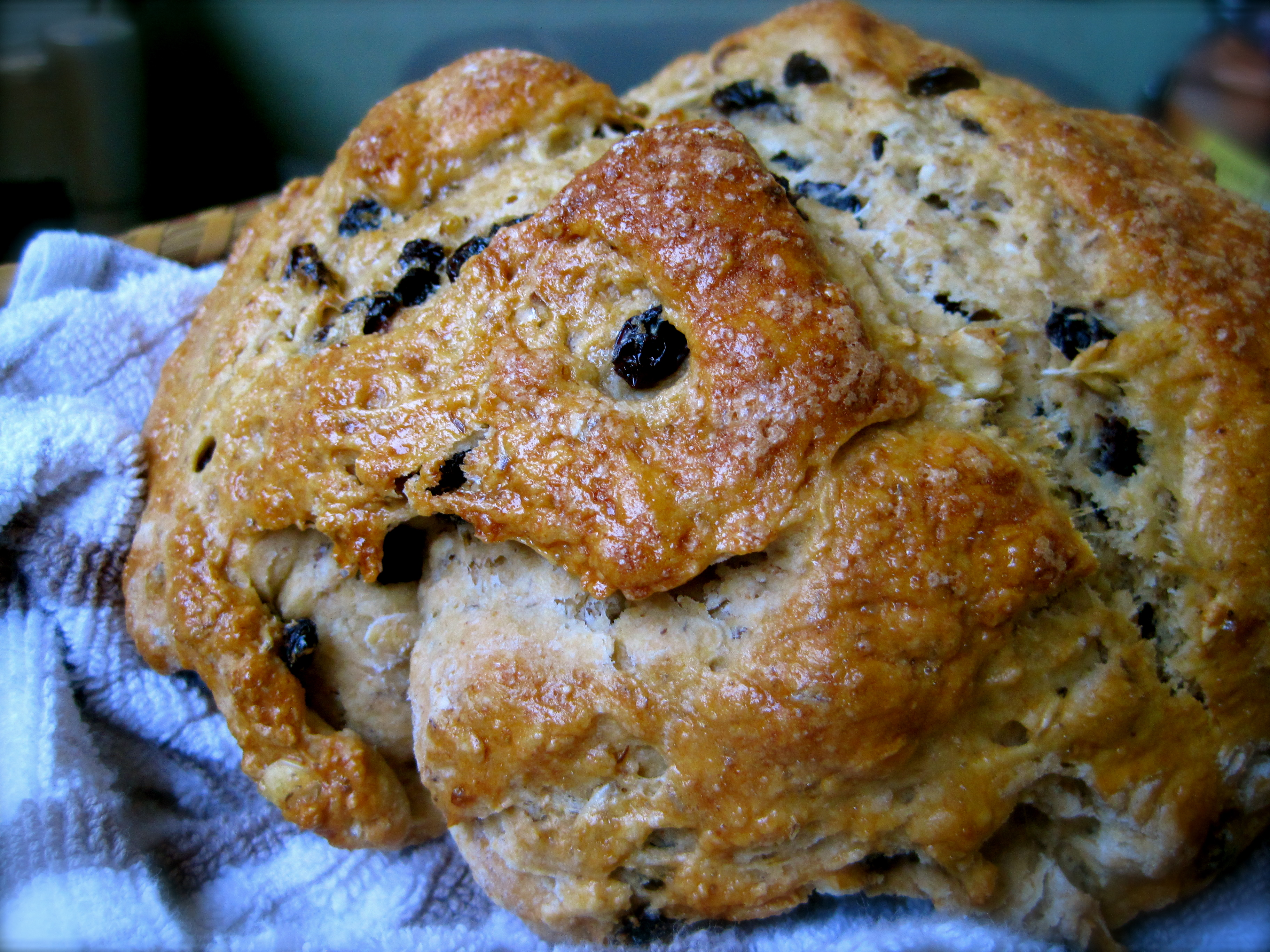 Browned Butter Irish Soda Bread with Currants – Rhyann's Rad ...