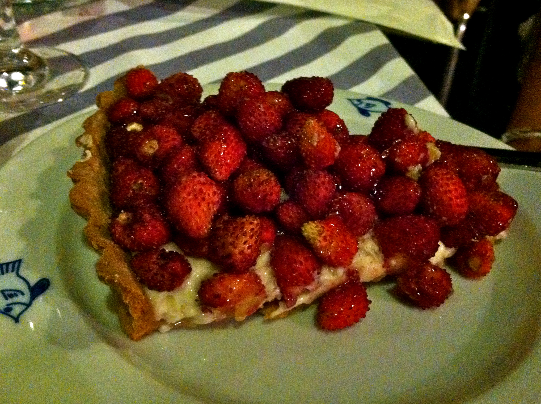 My friend Roxy got this amazing crostata di fragola (strawberry crostata). It was so pretty!